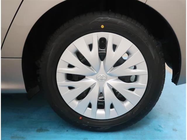 【タイヤ・ホイール】185/60R15サイズの純正ホイールです。タイヤ溝は約8mmになります。