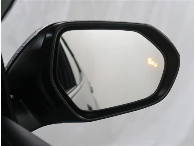 【機能】ブラインドスポットモニターが付いていますので後方から接近中の車両を知らせてくれます。