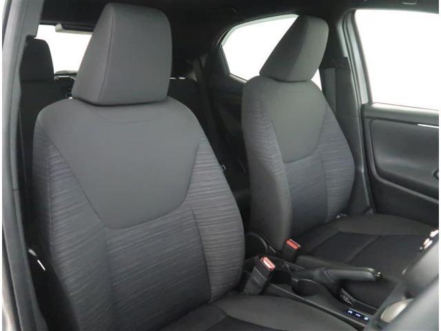 【フロントシート】左右のフロントシートにはシートヒーターが付いています。