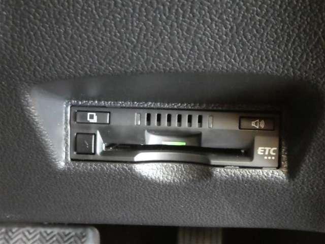 トヨタの安心U-Carブランド『トヨタ認定中古車』 1.徹底した洗浄 2.車両検査証明書付き 3.ロングラン保証付き