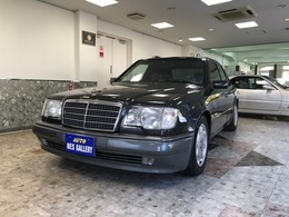 メルセデス・ベンツ Eクラス E500 正規D新車保証書記録簿請求書40枚