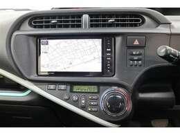 パナソニック製ナビ【型式CN-R500WD】CDの録音機能がついている便利なHDDナビ付き。CDを入れ替えなくてもたくさんの音楽が楽しめます。