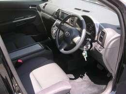 サビ、傷の少ないキレイな車です。室内もシート、ハンドル擦れ、汚れは大きなものはありません。