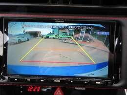 ケンウッドメモリーナビ付き♪ バックカメラ付きになりますので、駐車も安心してできますね♪
