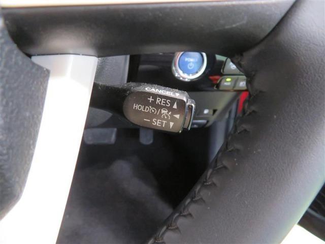 高速道路走行時に便利なクルーズコントロールを装備しています