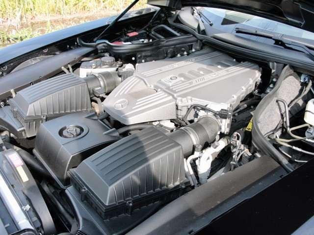 V8 6.2L 7AT  591ps(カタログ値)を発生します 強力な加速とエキゾーストノート SLS63 NAでの加速を体験して下さい