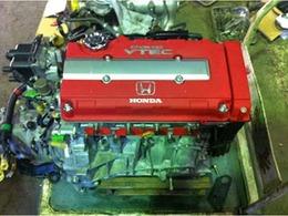 只今整備中です。外装塗装リペイント仕上げ済み内外エンジン機関点検整備メンテナンス付き純正オリジナルコンディション車両ホンダV-TECHタイプR専門店の安心整備で納車します。モップアップ