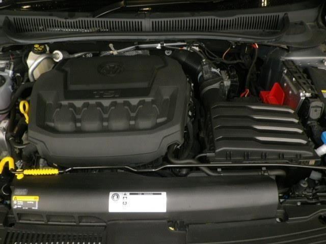 排気量は2000cc!直噴技術と過給機を組み合わせることで小排気量ながら高出力を生み出すTSIエンジン搭載!