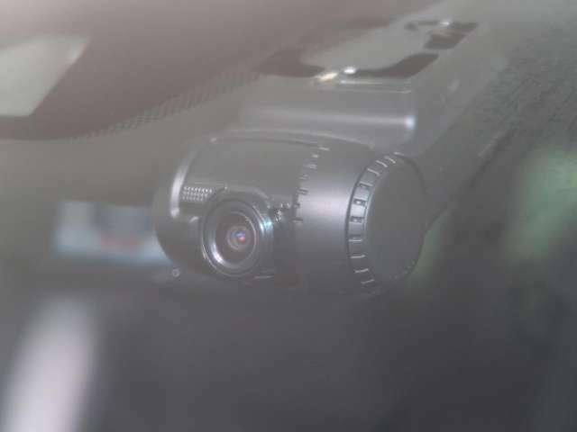 ●ドライブレコーダー付のお車です☆映像や音声などを自動的に記録することができます!万が一の時も記録として映像が残るので安心です☆●