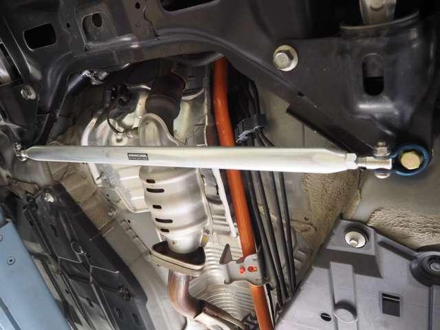 mandm-hondaフロントモノコックバー装着。アンダーカバーで見えないですが、フロントロアアームバー・リアモノコックバーも装着しており車体剛性もUPしております。