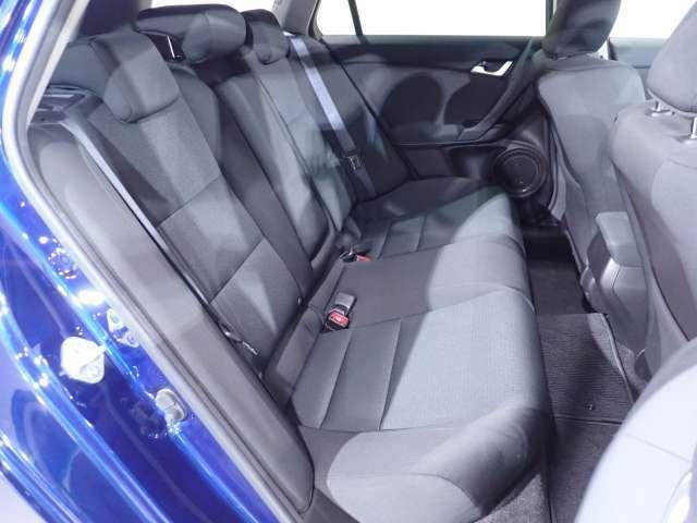 リアシートも厚みのあるシートを使っています。