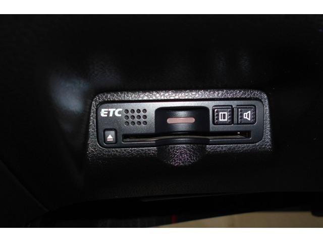 ☆ETC車載器が装備されていますのでお手元にETCカードをご用意いただければ高速道路もキャッシュレスで通行可能です。料金所でもスマートに通過しましょう。