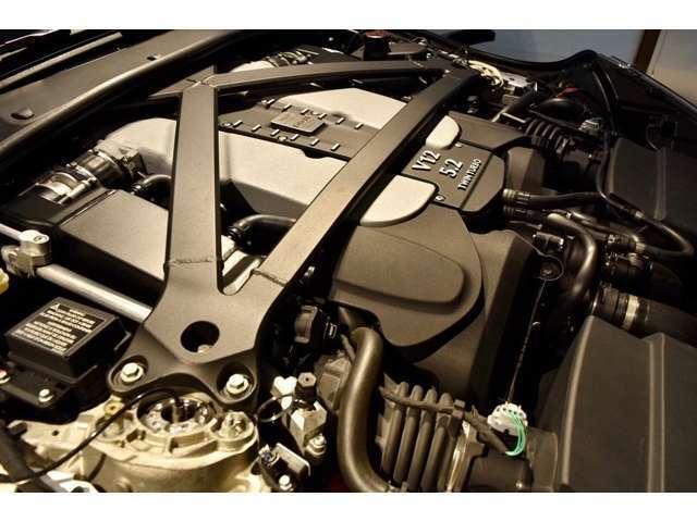5.2L V12気筒ツインターボ、608PS、700Nmのエンジンを搭載エキサイティングなエキゾーストサウンドと洗練された足回りを高次元でバランスさせた走りを存分にお楽しみ下さい。