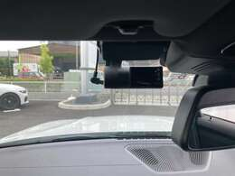 ドライブレコーダー装備