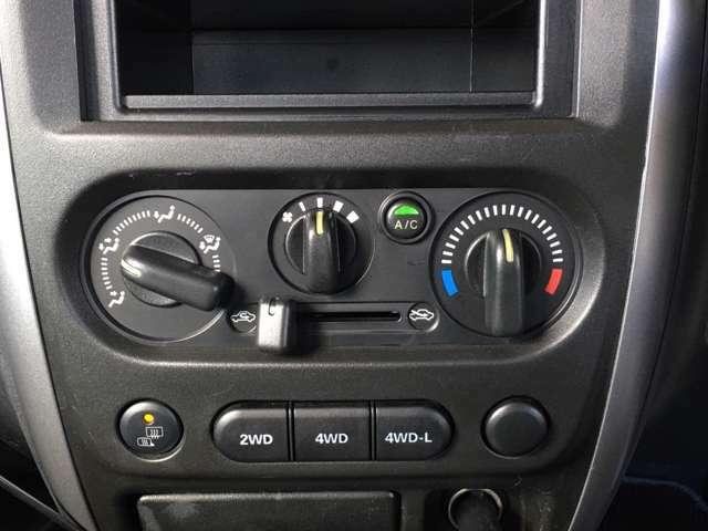 ★2WDと4WDの切り替えが出来るので通常は2WDで走行することで、4WD特有の燃費の低下を避けることが出来るのと操舵性が良いです★