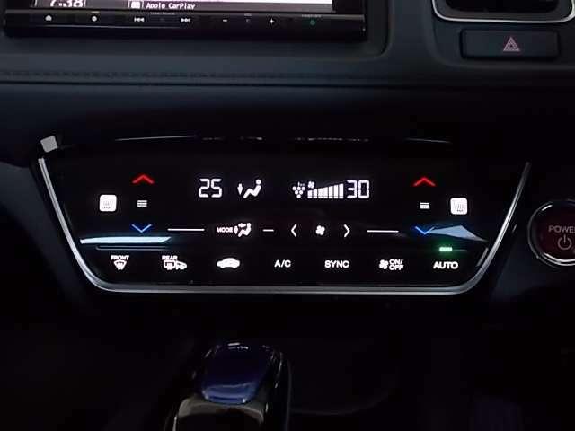 運転席、助手席でそれぞれ温度設定が可能なエアコンです シートヒーターは冬場に重宝しますよ