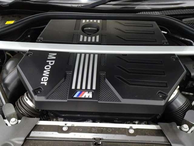 当社はサービス工場併設でございます。点検車検はもちろんお車へのアドバイスもサービススタッフがさせて頂いております。BMWマイスターも在籍しており、もしもの時も迅速に対応出来る様に心がけております。