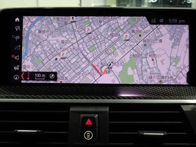 iDriveHDDナビゲーションになります。操作はコントローラーとタッチパネルにて操作いただけます。