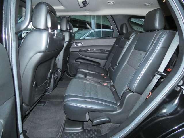 後席(2ND)にもシートヒーターを装備しています。TEL:042-799-3200