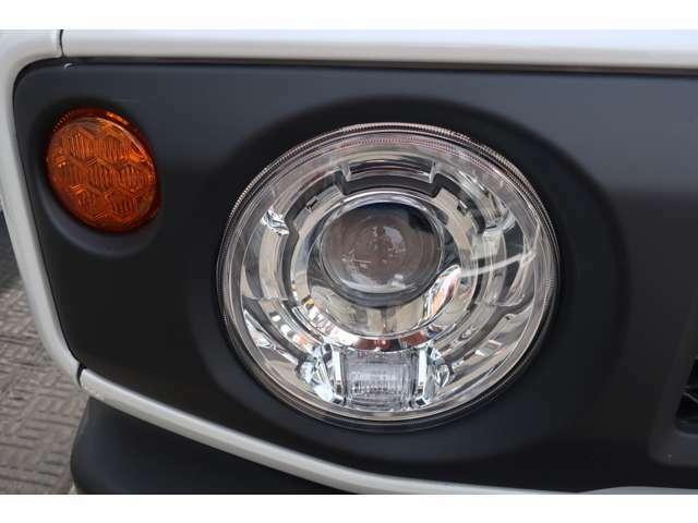 LEDヘッドライト&オートライト&フォグランプ付き♪