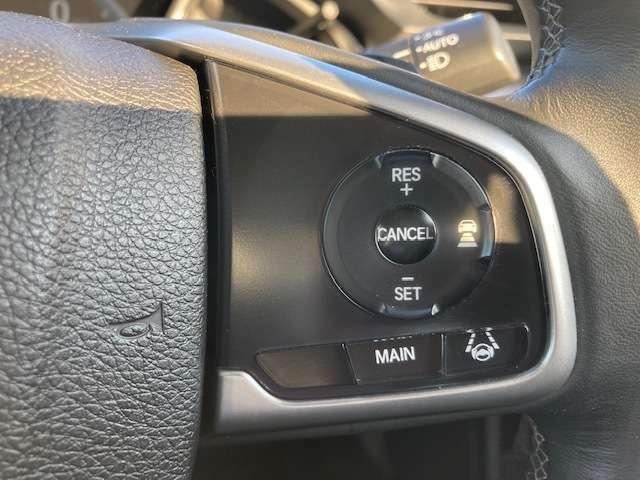 アダプティブクルーズコントロール搭載です。高速道路などで長時間、長距離運転される方にはとっても重宝します。