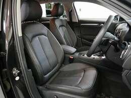 質の高いレザーシートです。フロントシートはシートヒーターが装備されています。