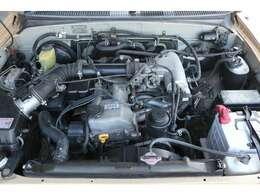 経済性に優れた3RZエンジン!2700cc!