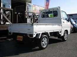 【装備】4WD・マニュアル5速・エアバック・作業灯・アルミホイール