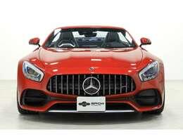 内外装共にコンディション良好で、初回車検の令和3年10月までメーカー保証がご利用いただけます。