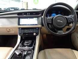ドライバー専用のフルスクリーン・ナビゲーション・ディスプレイとしても活用できる12.3インチTFTインストルメント・クラスターを装備!
