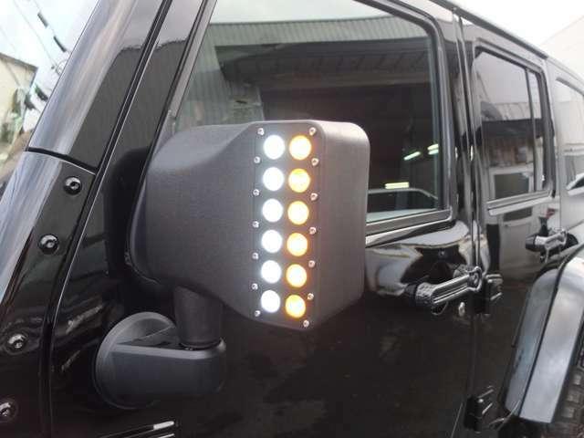 新品LEDウインカー&ライト内蔵ミラーを装着!!車内のスイッチで画像のLEDを点灯&消灯可能です。