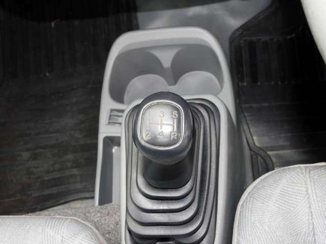 5速マニュアル車です!!