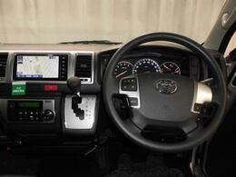 運転席に座った感じです!機能的でコンパクトにまとめられたデザイン!
