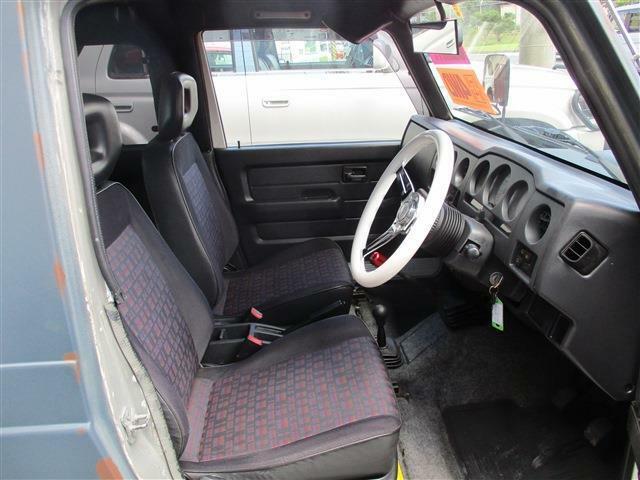運転席&助手席も乗り降り、楽々!