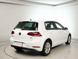 VW認定中古車 納車前点検71項目、納車前指定交換部品(エンジンオイル+オイルフィルター+ワイパーブレードゴムの3品目)、メンテナンス保証部品(5品目)*バッテリーは納車前に交換いたします。