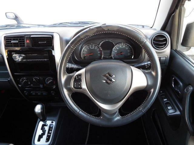 操作簡単フロアオートマ!Wエアバック、ABS付きで安全装備充実です!