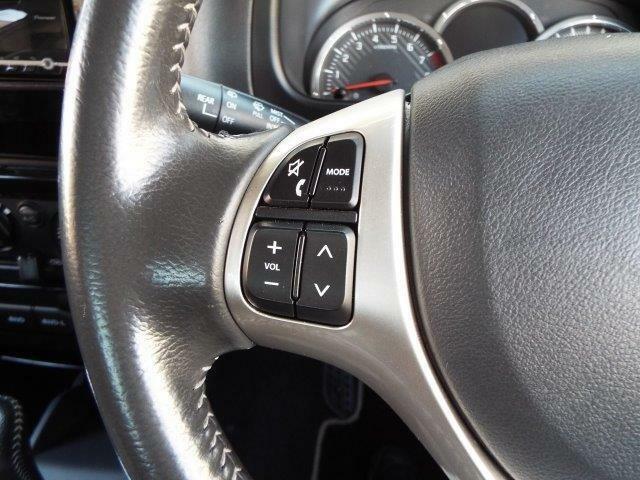 走行中もオーディオの操作が簡単にできるステアリングスイッチ付き!対応のオーディオの取付けでステアリングスイッチ使用可能になります!