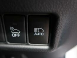 【オートハイビーム】ハイビーム状態で走行中、対向車を確認すると自動でローライトへ変更してくれます☆