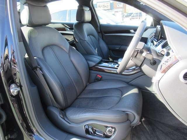 ●【お車の内装について】ホールド感のある座り心地のいいシートです。ロングドライブでも疲れにくいです♪