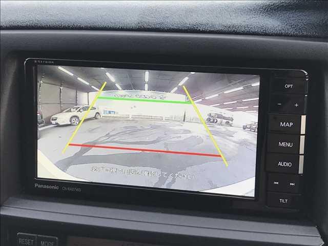 バックカメラ装備。駐車時も安心です。