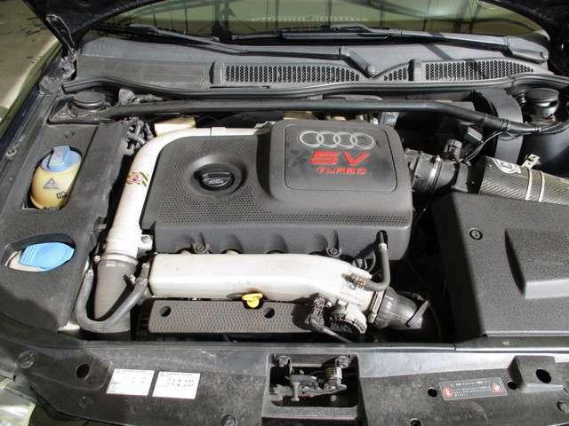 パワフルな5バルブターボエンジン