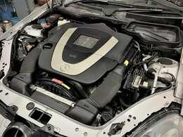 3.0ガソリンエンジンだから低速からのトルク感もグイグイ引っ張ってくれるのでドライブが楽しめます。燃料費も気にしなくていいのでガンガン走れます。https://benztestar.com/