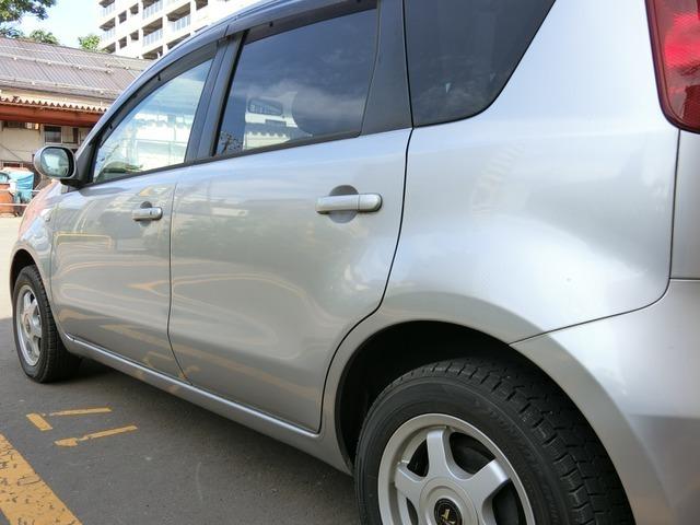 ちなみにこちらの車は小樽(浜使用)ではありません。お客様の中には「小樽、函館、室蘭の車は浜の塩風にやられているからダメだ」と言われる人もいますが、こちらの仕入れはオークションですので