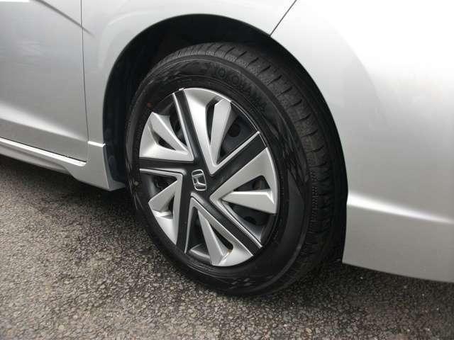タイヤサイズは、15インチです。