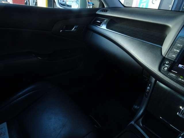 シート座面も綺麗な状態で保たれております。