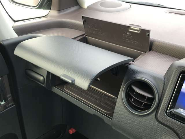 使いやすさにこだわった便利な収納スペース。車内をスッキリ、居心地のよい空間が広がります。