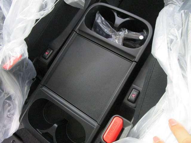 フロントシートヒーターを装備しております。