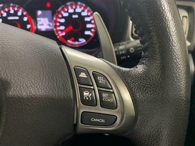 スバルの先進安全支援システム「アイサイト」を搭載し、高速道路では前走車との距離を自動的に調整しながら追従してくれるクルーズコントロール機能が装着されています!