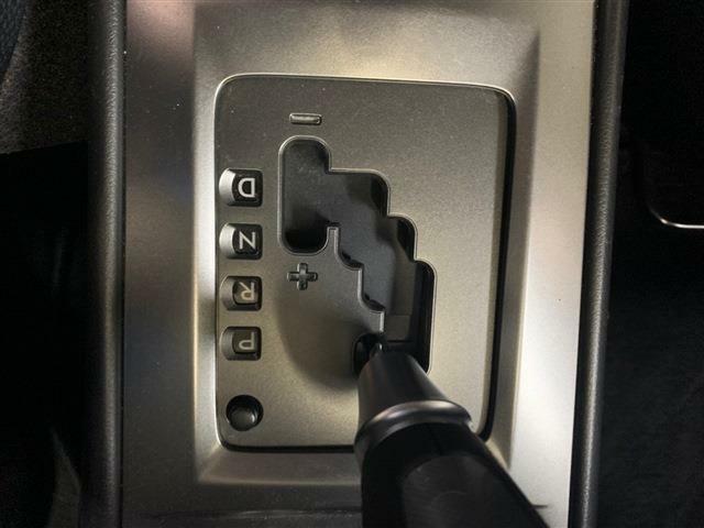 CVT車ではありますが、MTモードにすることでパドルシフトやシフトレバーでシフトアップ・ダウンをすることができ、意のままに運転することができます!