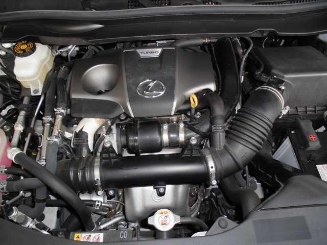 お車の整備も経験豊富で優秀なメカニックがメンテナンス致します。ぜひ、当社にお車の事はお任せくださいませ。